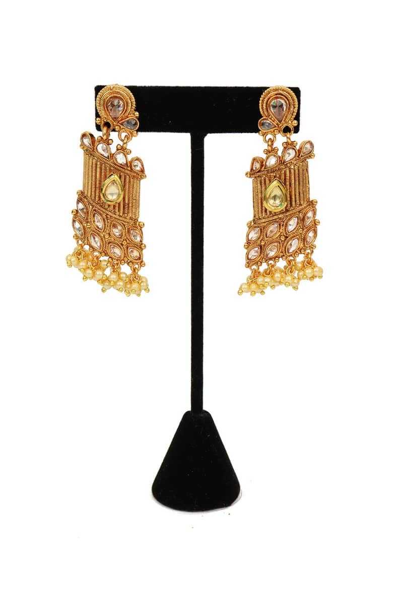 Kundan Studded Earring With Stones & Artificial Pearls - E37