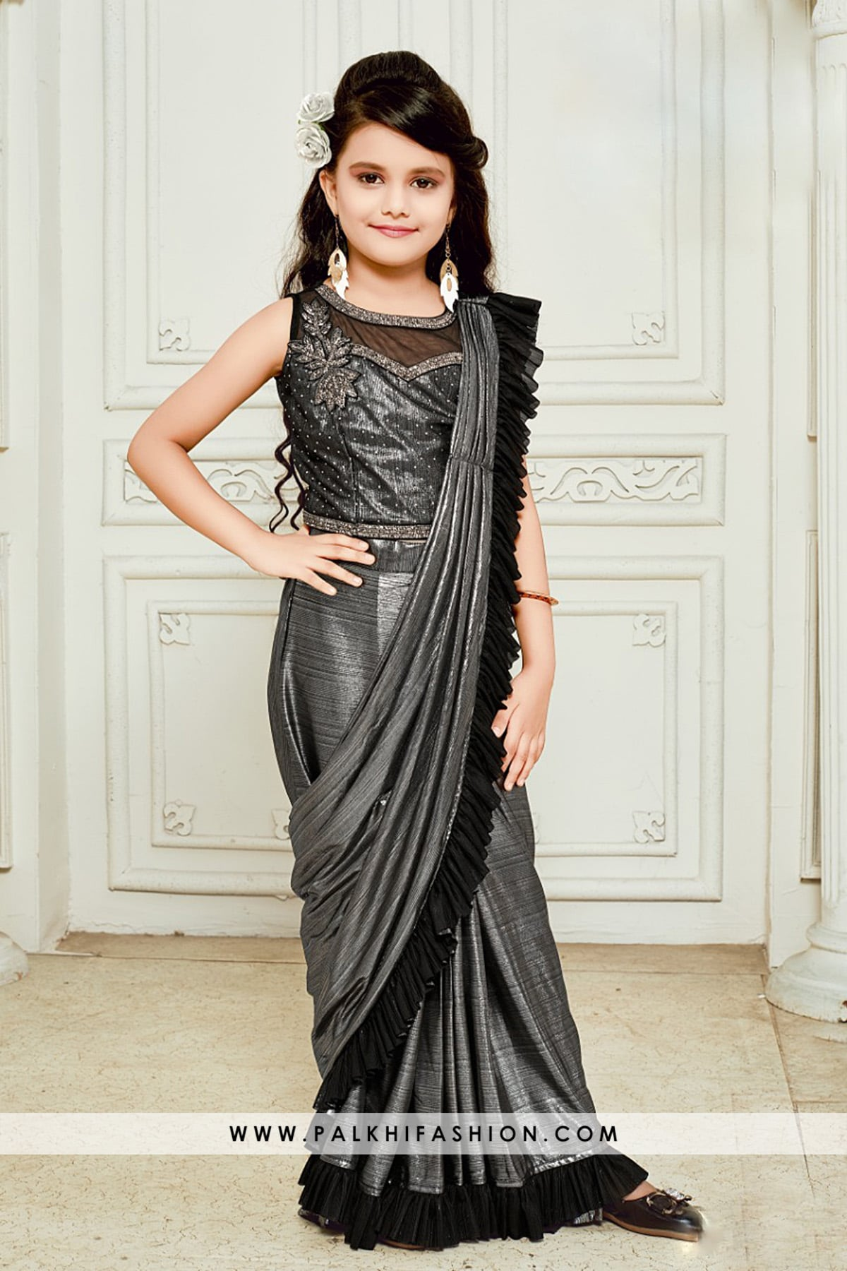 Bold and Beautiful GreyBlack Ready Made Saree For Girls
